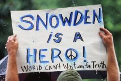 Edward Snowden, HERO! 英雄!