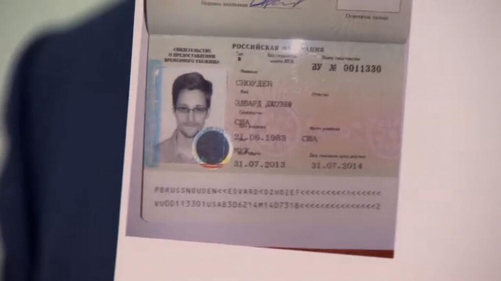 snowden russia visa
